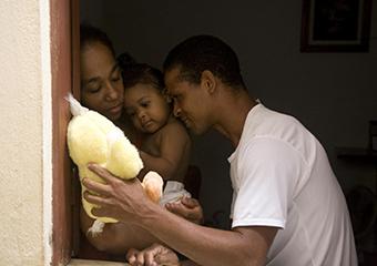 Imagem ilustrativa da solução Sete maneiras de os empregadores apoiarem pais e mães durante o surto de Covid-19