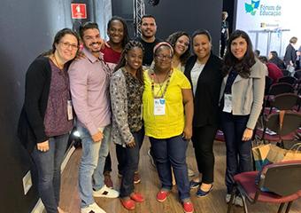Imagem ilustrativa da solução Assista às 'Classes Abertas' com os professores da Fundação Roberto Marinho