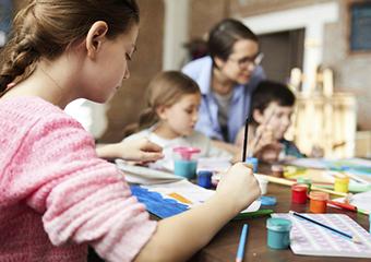 Imagem ilustrativa da solução Quatro escolas contam suas estratégias para apoiar famílias durante a quarentena