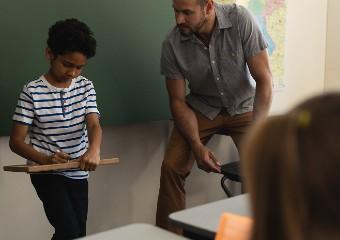 Imagem ilustrativa da solução Estudo de caso: 8 perguntas para utilizar essa metodologia de aprendizagem nas aulas