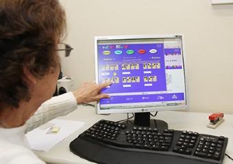 Imagem ilustrativa da solução Curso gratuito ensina braile para quem enxerga e deseja apoiar pessoa cega