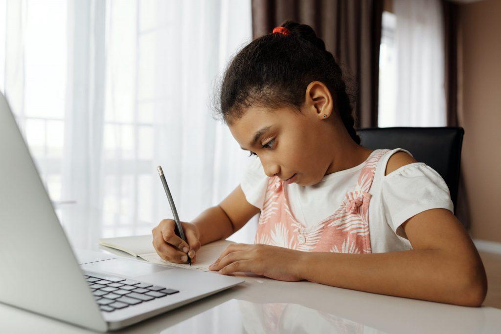 Imagem ilustrativa da solução Nota técnica sobre como implementar o ensino híbrido com uso de tecnologias digitais