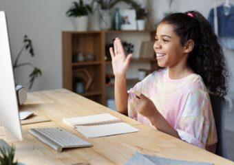 Imagem ilustrativa da solução Curso on-line ensina ensino híbrido na prática para docentes